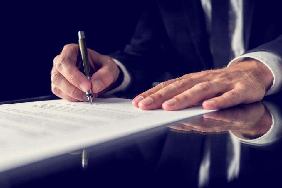 איך לנצל בחוכמה שתי זכויות יתר שיש רק לנתבע?